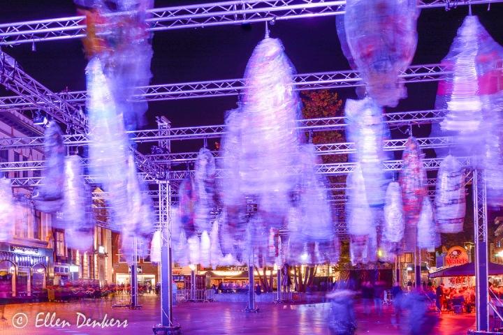Glow - Cocons - door 2500 Eindhovense basis leerlingen